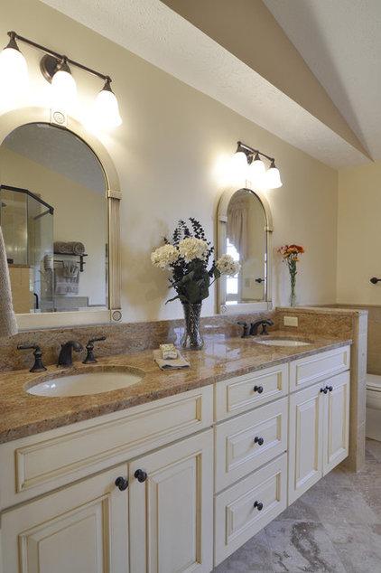 Traditional Bathroom by Summit Design Remodeling, LLC