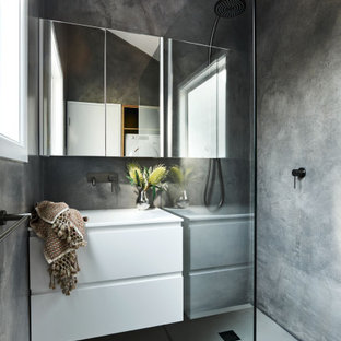 Inspiration for a small contemporary bathroom in Melbourne.