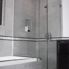 Modern Bathroom by m.a.p. interiors inc. / Sylvia Beez