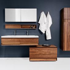 Modern Bathroom by WETSTYLE
