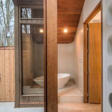 Modern Bathroom by Liquid Design