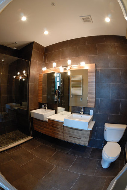Contemporary Bathroom by Brunelleschi Construction