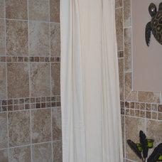Traditional Bathroom by maclyn