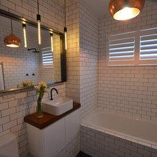 Contemporary Bathroom by AN Builders Pty Ltd
