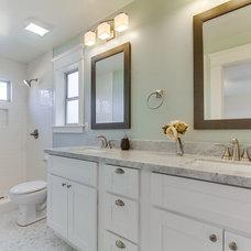 Craftsman Bathroom by ACROPOLIS DEVELOPMENTS