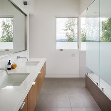 Modern Bathroom by CCS ARCHITECTURE