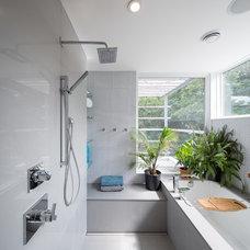Contemporary Bathroom by John Donkin Architect Inc.