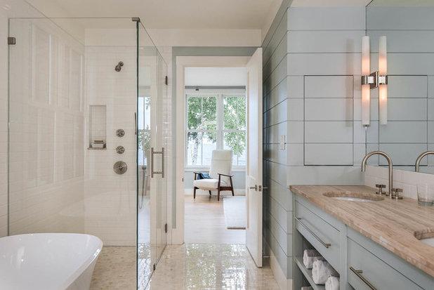 Beach Style Bathroom by Hamilton Snowber Architects