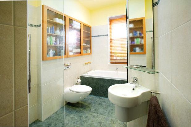 Klassisch Badezimmer by Royston Wilson Design