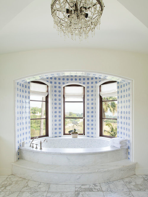 Bay window bathtub home design ideas pictures remodel for Bay window remodel