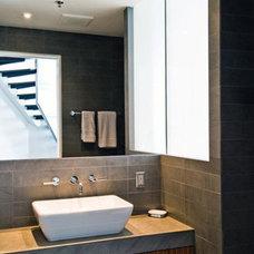 Bathroom by MRTA Design Construction