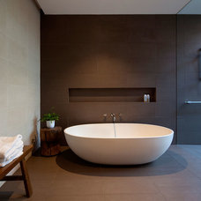 Contemporary Bathroom by Pleysier Perkins