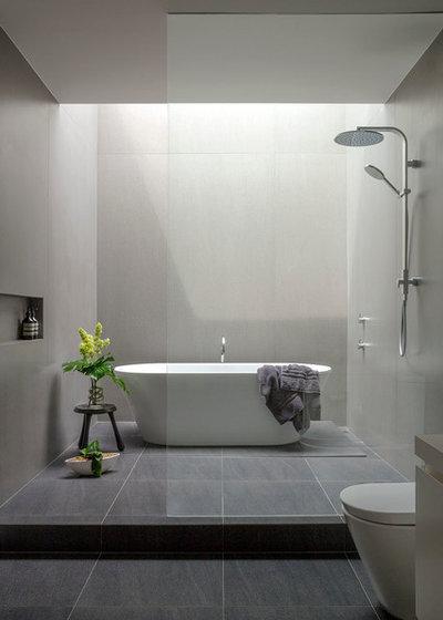 Modern Bathroom by Tim Shaw - Impress Photography