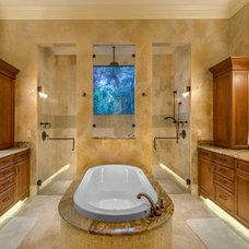 Tropical Bathroom by Synergy Building Corp.