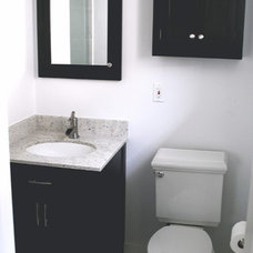 Bathroom by Ghent Construction and Design