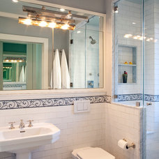 Traditional Bathroom by JAMES DIXON ARCHITECT PC