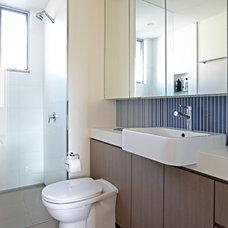 Contemporary Bathroom by Sandberg Schoffel Architects