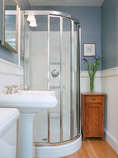 Small bathrooms home design ideas pictures remodel and decor for Small bathroom design houzz