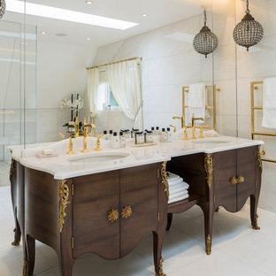 ロンドンのトラディショナルスタイルのおしゃれな浴室の写真