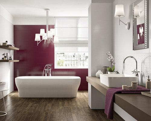 Bagno con piastrelle rosa e piastrelle di vetro foto idee arredamento - Piastrelle di vetro ...