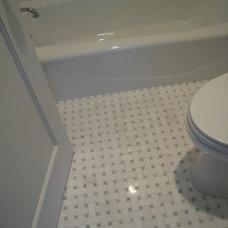 Traditional Bathroom by Stoneshop
