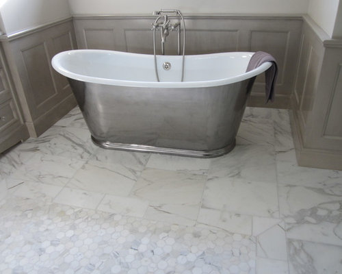 Traditional Bathroom Idea In Chicago With A Freestanding Tub White Walls And Marble Floors