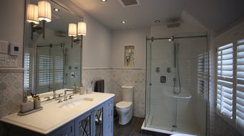 Marble deluxe guest bathroom in Mount Royal