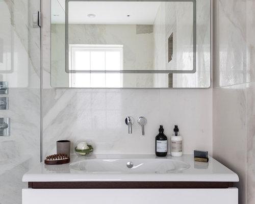 kleine badezimmer mit nasszelle design ideen beispiele f r die badgestaltung. Black Bedroom Furniture Sets. Home Design Ideas