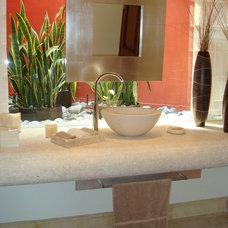 Contemporary Bathroom by arquitectura margaritaporraz interiorismo