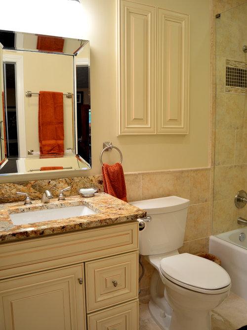 Budget bathroom design ideas renovations photos with for Bathroom remodel 30068