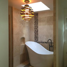 Modern Bathroom by Stephin Oubre Interiors