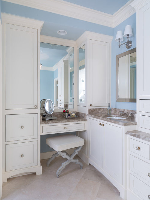 Mid sized traditional bathroom design ideas renovations for Bathroom remodel 77433