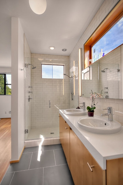 Modern Bathroom by Chris Pardo Design - Elemental Architecture