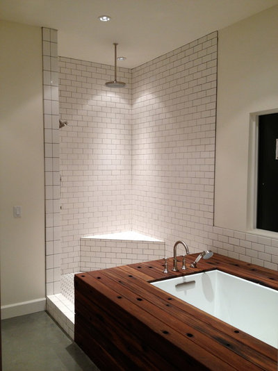 14 Tips For Using Reclaimed Wood In The Bathroom