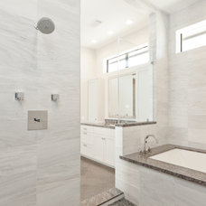 Modern Bathroom by Mirador Builders