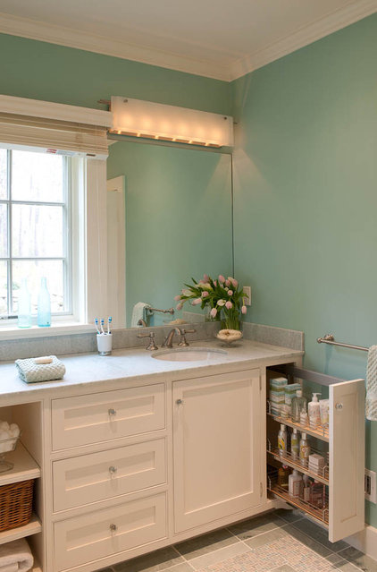 Beach Style Bathroom by Elizabeth Swartz Interiors