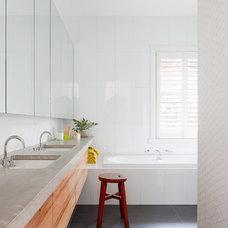 Contemporary Bathroom by bg architecture