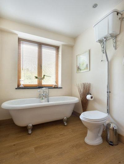 Victorian Bathroom by Colin Cadle Photography
