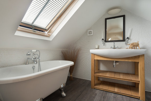 Country Bathroom by Colin Cadle Photography