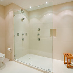 contemporary bathroom by ALVAREZ-DIAZ & VILLALON