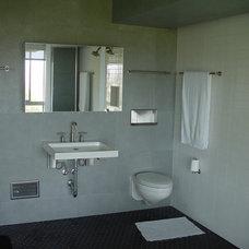 Modern Bathroom by B Birmingham Inc.