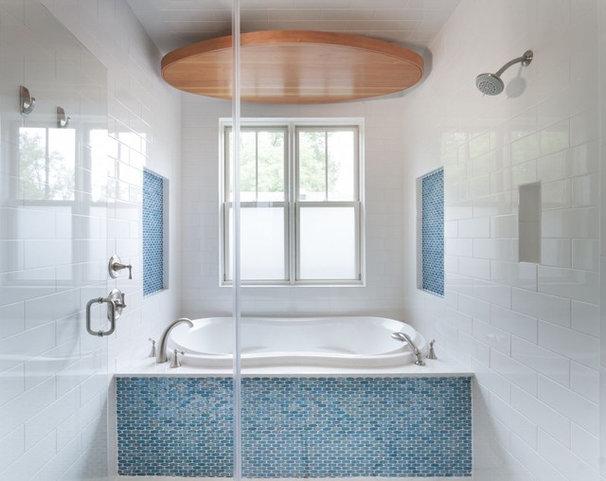 Contemporary Bathroom by Heimsath Architects