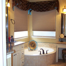 Traditional Bathroom by House of Ficek