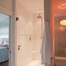 Contemporary Bathroom by Jenny Baines, Jennifer Baines Interiors