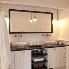 contemporary bathroom by Jenny Baines, Jennifer Baines Interiors