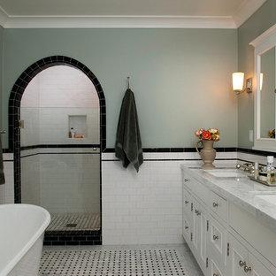 Idéer för att renovera ett vintage badrum, med tunnelbanekakel