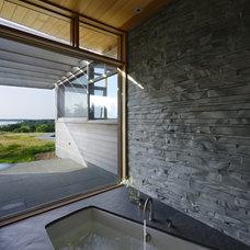 Contemporary Bathroom by Maryann Thompson Architects