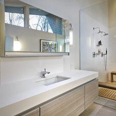Modern Bathroom by Partners 4, Design