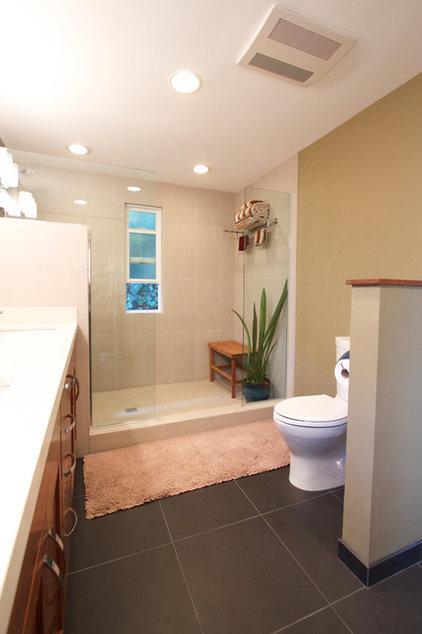 Traditional Bathroom by AlphaStudio Design Group