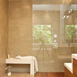 Example of a trendy bathroom design in Los Angeles
